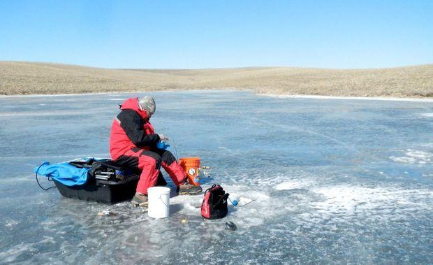 Pic-Gary-Ice Fishing